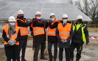 Le parc photovoltaïque de Plateforme Laudun (30) a accueilli la pose de son 1er module le 22/01 !